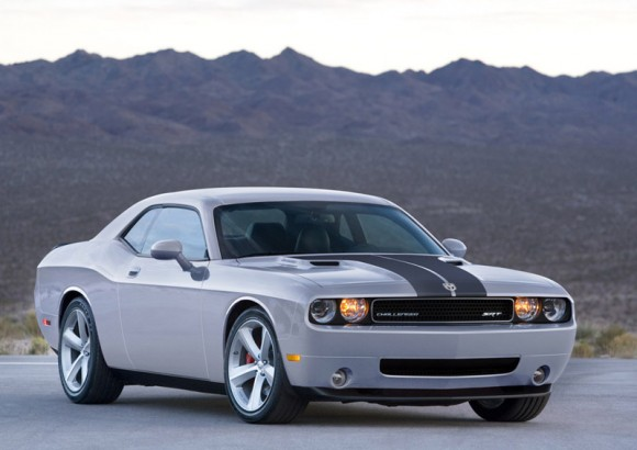 08-Dodge-Challenger-str8